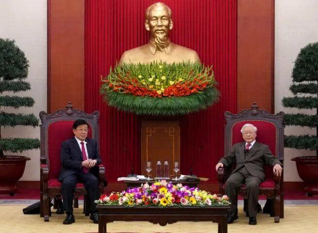 越南共产党中央总书记、国家主席阮富仲会见赵克志图片