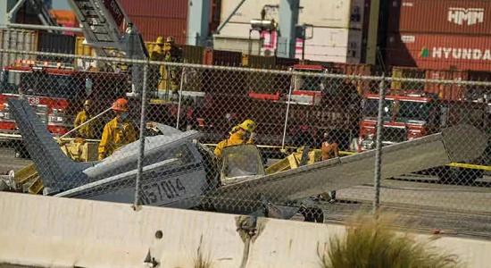 美加州一小型飞机失事 至少一人死亡