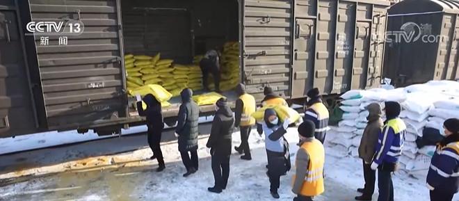 黑龙江:抢抓农时增效益 化肥运输有保障图片