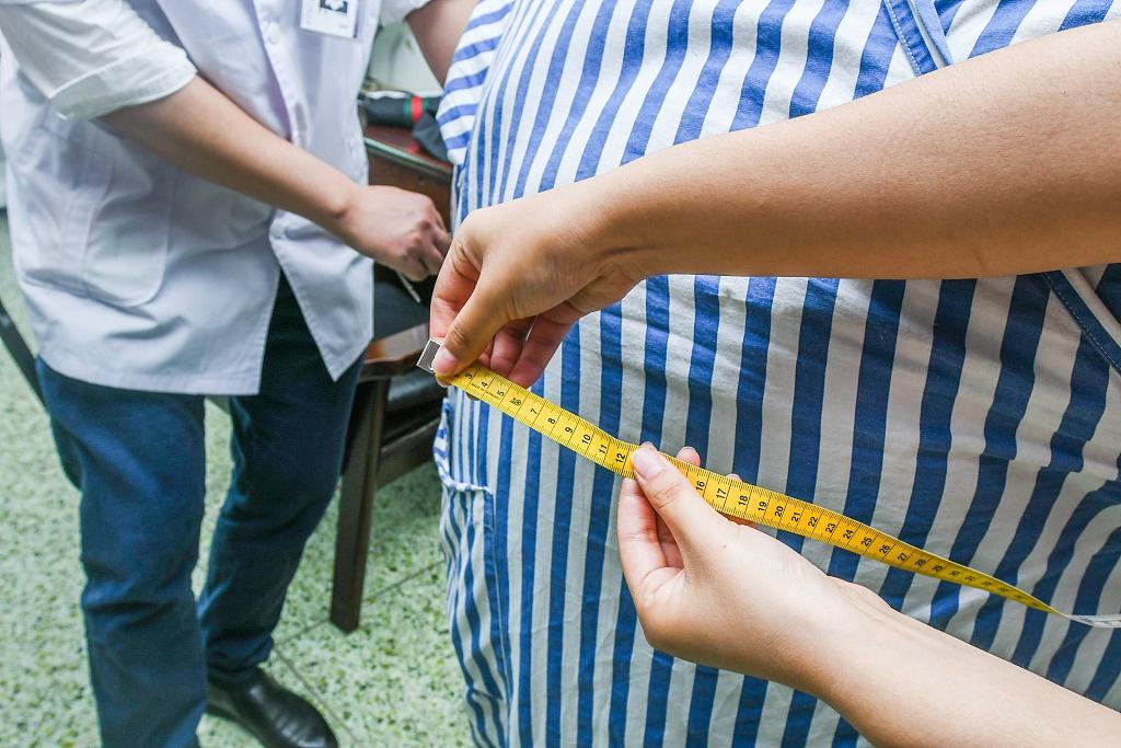 俄议员提议限制官员体重100公斤 专家驳斥:这不科学