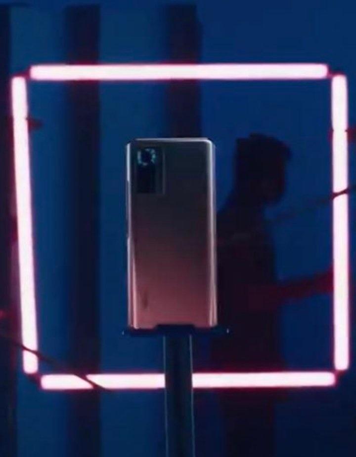 Redmi Note 10 Pro海外版真机图曝光:Redmi K40微调换色版