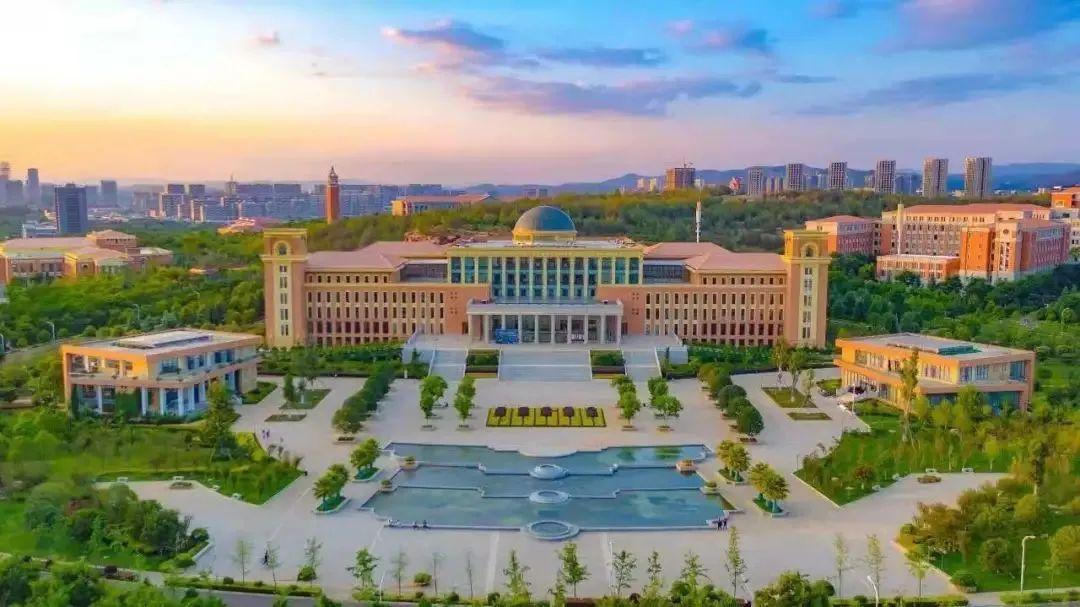 """云南大学2021年""""汉语桥""""线上交流营火热招生中图片"""