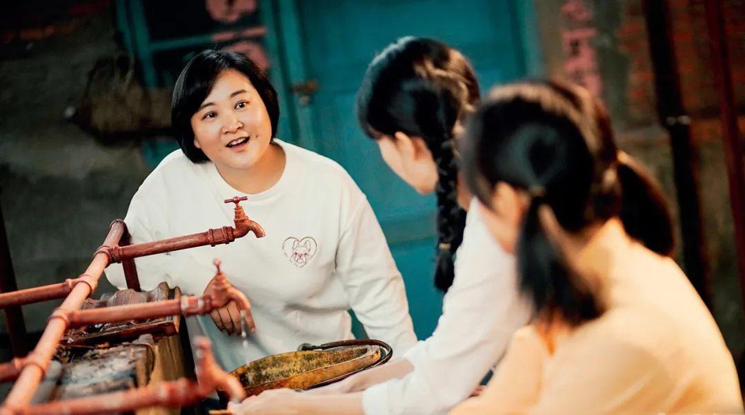 """春节档就像春晚,""""李焕英""""相当于""""难忘今宵"""""""