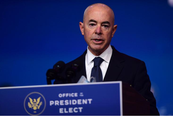 美国参议院投票确认马约卡斯担任国土安全部部长