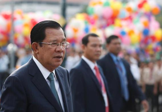 柬埔寨首相宣布将接收中国新冠疫苗 会亲自迎接