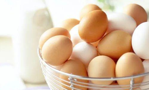 """鸡蛋价再降 逼近""""4元""""关口"""