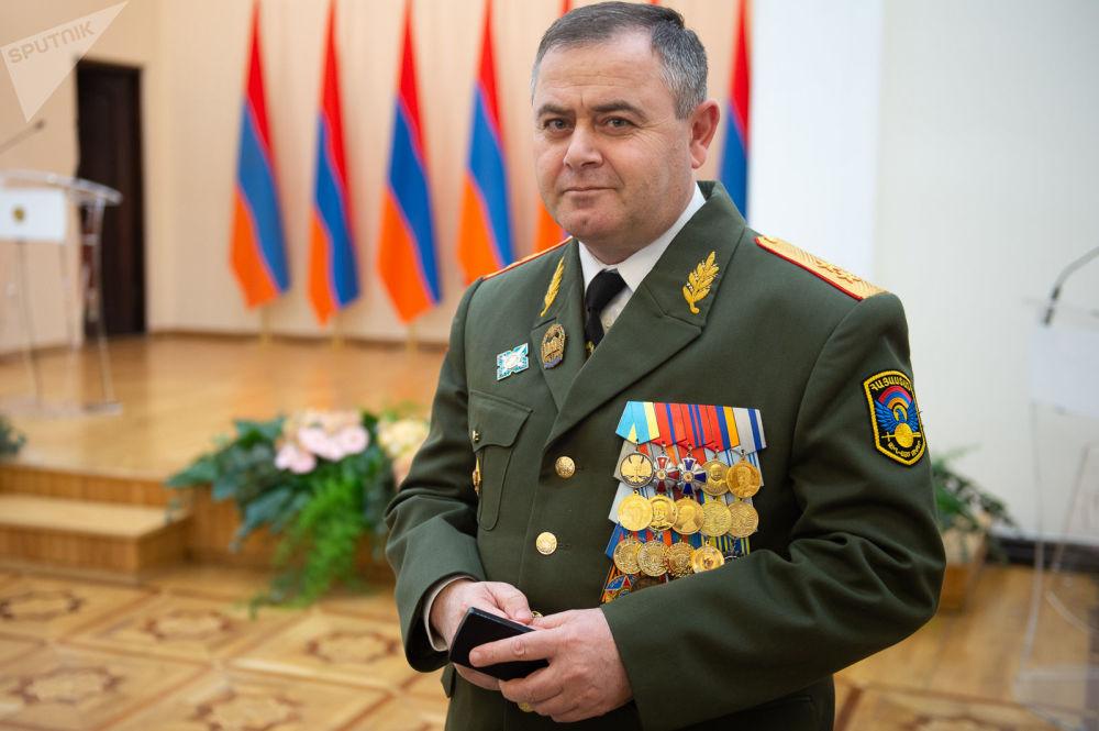 亚美尼亚总理帕希尼扬向总统提议任命新总参谋长