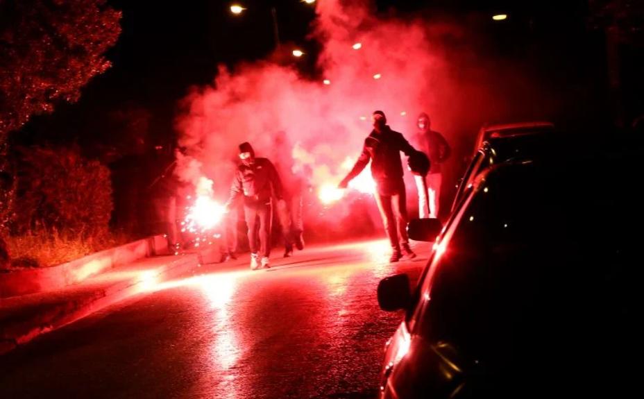 希腊雅典南郊发生暴力冲突:数名警察受伤 10人被捕