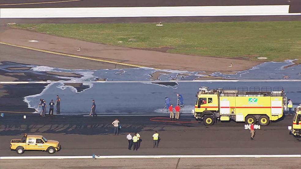 巴西里约圣杜蒙特机场因跑道油污造成航班取消或延误