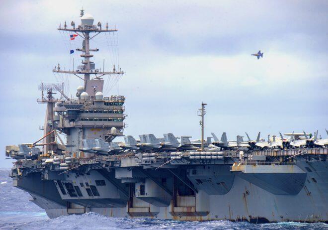 """美国海军""""杜鲁门""""号航母"""