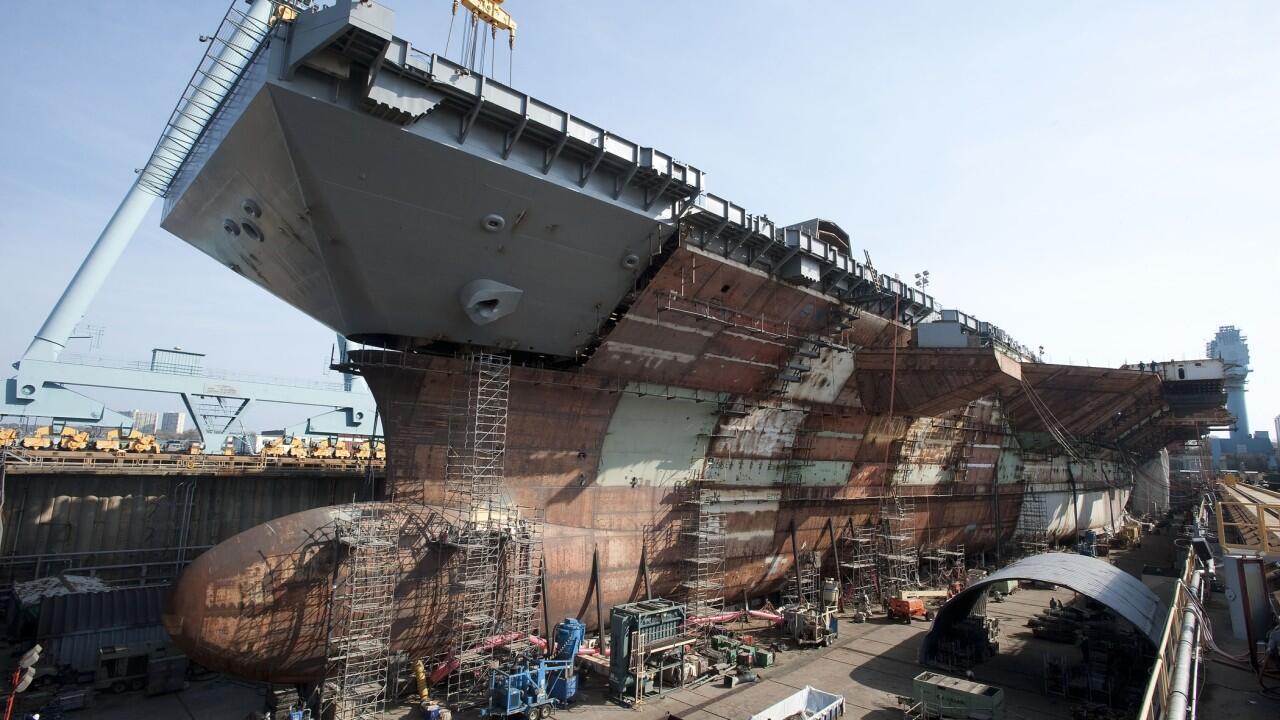 建造中的福特级航母