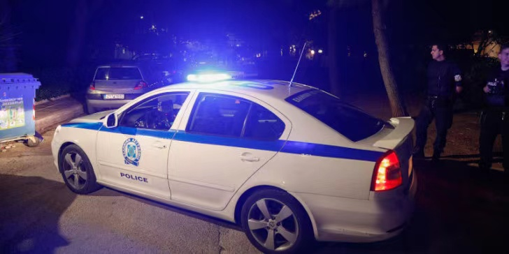 希腊天空电视台办公楼遭燃烧弹袭击