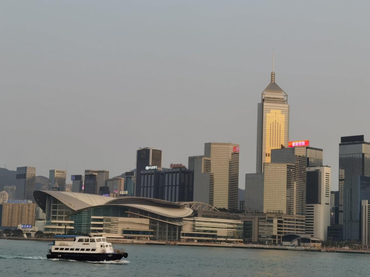 外媒列出中国十大最富有城市最新排名,香港排第六图片