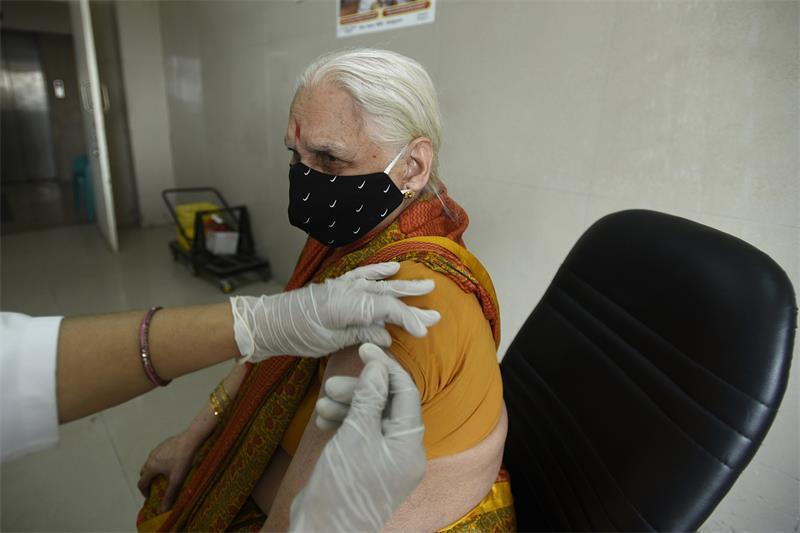 印度宣布4月1日起为45岁以上人群接种新冠疫苗