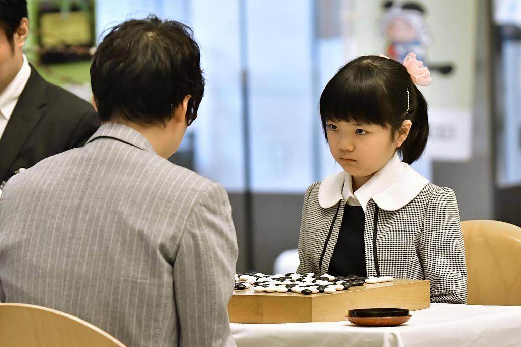 日本天才围棋少女12岁拿下职业首冠 获得3万元奖金