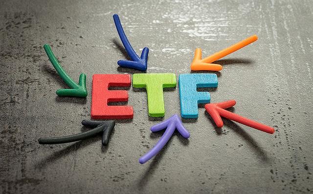 抢时间:ETF赛道争夺战越演越烈 6只打擦边球0股票仓位上市