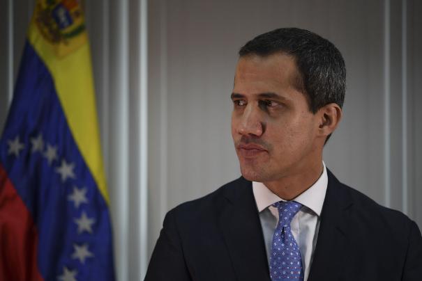委内瑞拉反对派代表胡安-瓜伊多新冠检测结果呈阳性