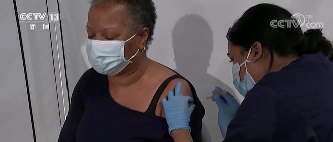 英国过半成年人已接种第一剂新冠疫苗