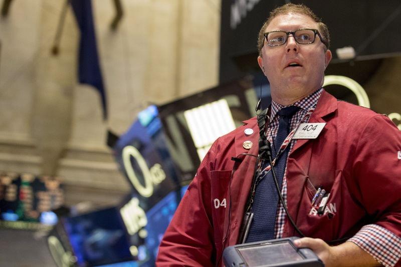 知乎上市首日即破发:两年合计亏损15亿 盈利仍是最大难题