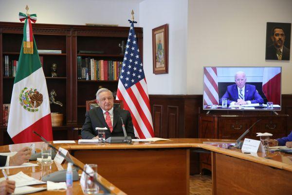 """拜登与洛佩斯举行视频会晤:称将""""平等""""对待墨西哥"""