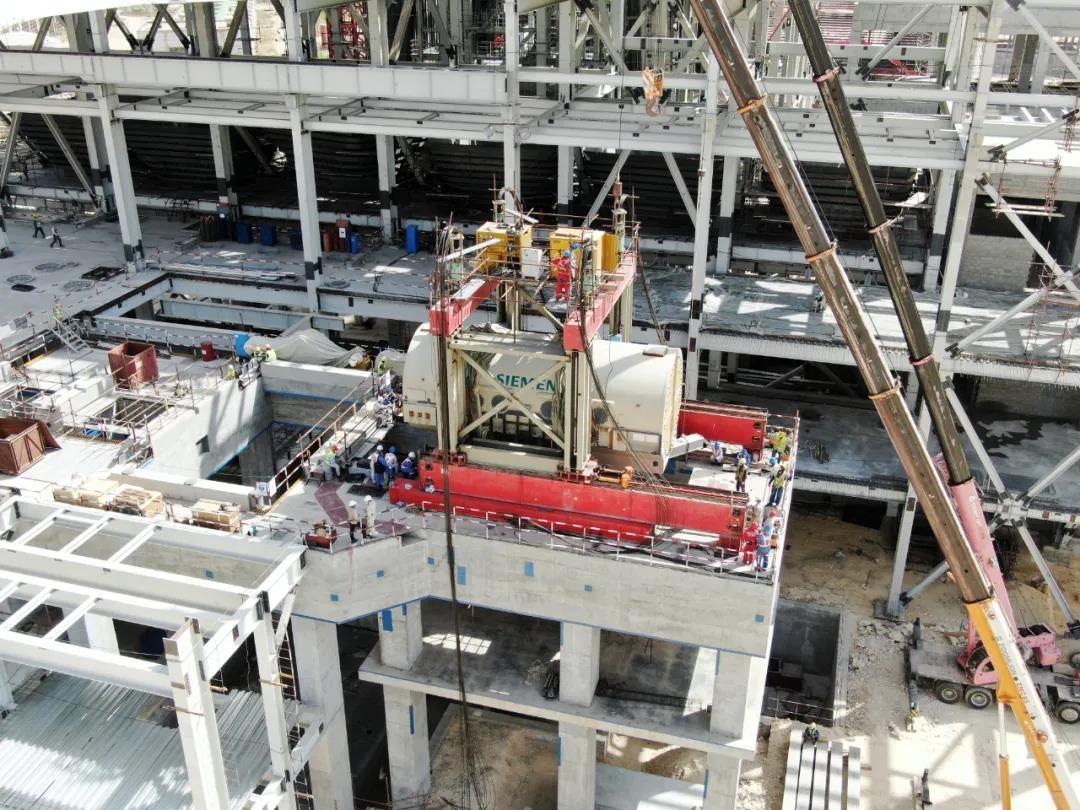 一带一路   巴基斯坦贾姆肖罗项目一号机发电机定子顺利吊装就位