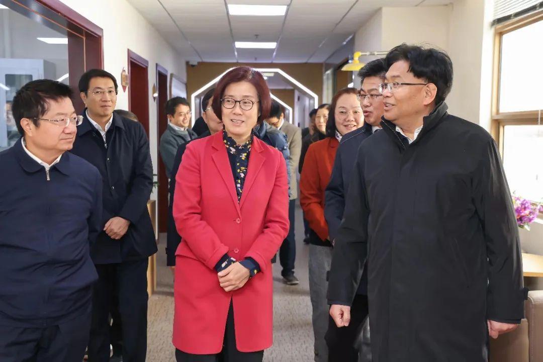 新闻 | 江西省委常委、赣州市委书记吴忠琼一行来校考察交流