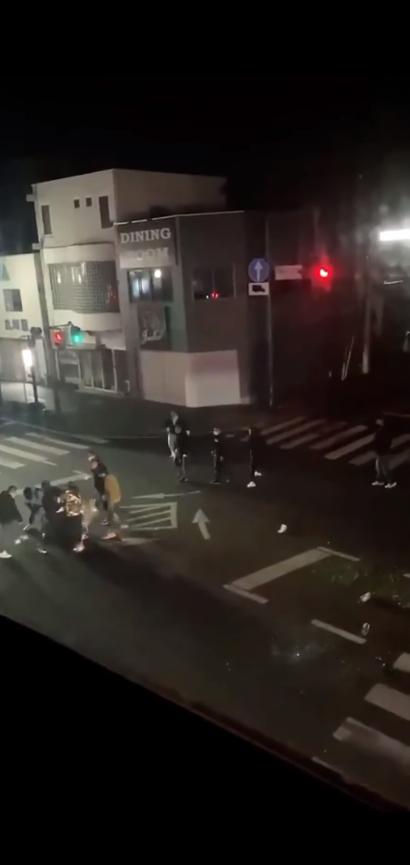 日本黑帮深夜街头火拼 2名山口组成员被开枪打伤