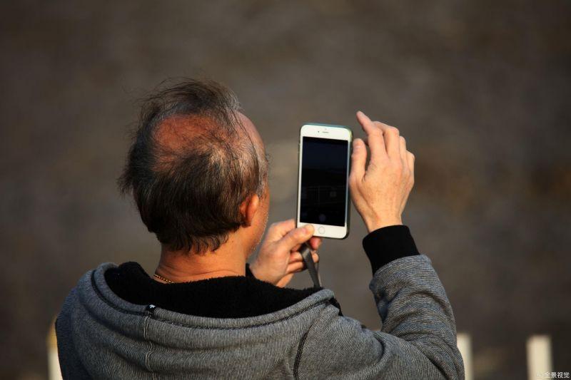 温柔对待老年群体 全国政协委员马进:让老年人融入数字社会