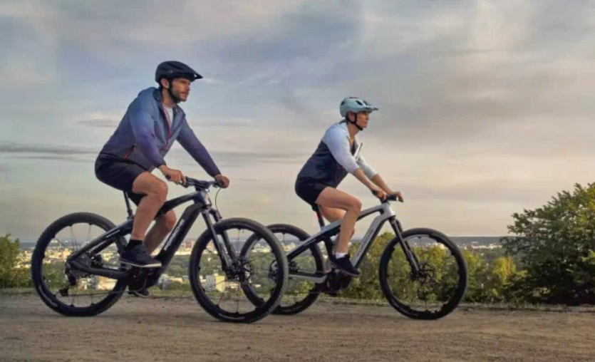 采用全悬挂碳纤维车架 保时捷发布两款豪华电动自行车