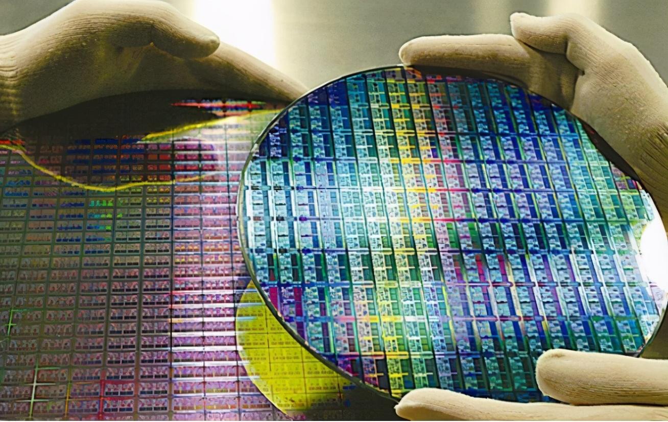苹果吃下53%的5nm产能,AMD吃下27%的7nm产能,华为无可奈何