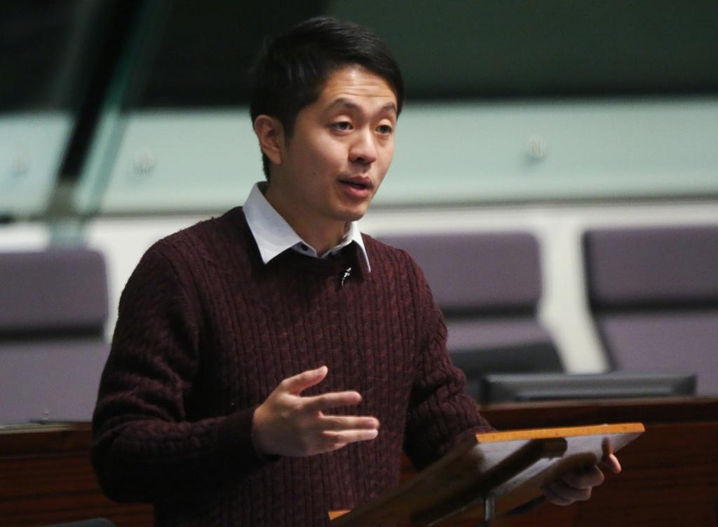 许智峰放弃英国流窜澳大利亚 香港政界人士:物价太高混不下去图片