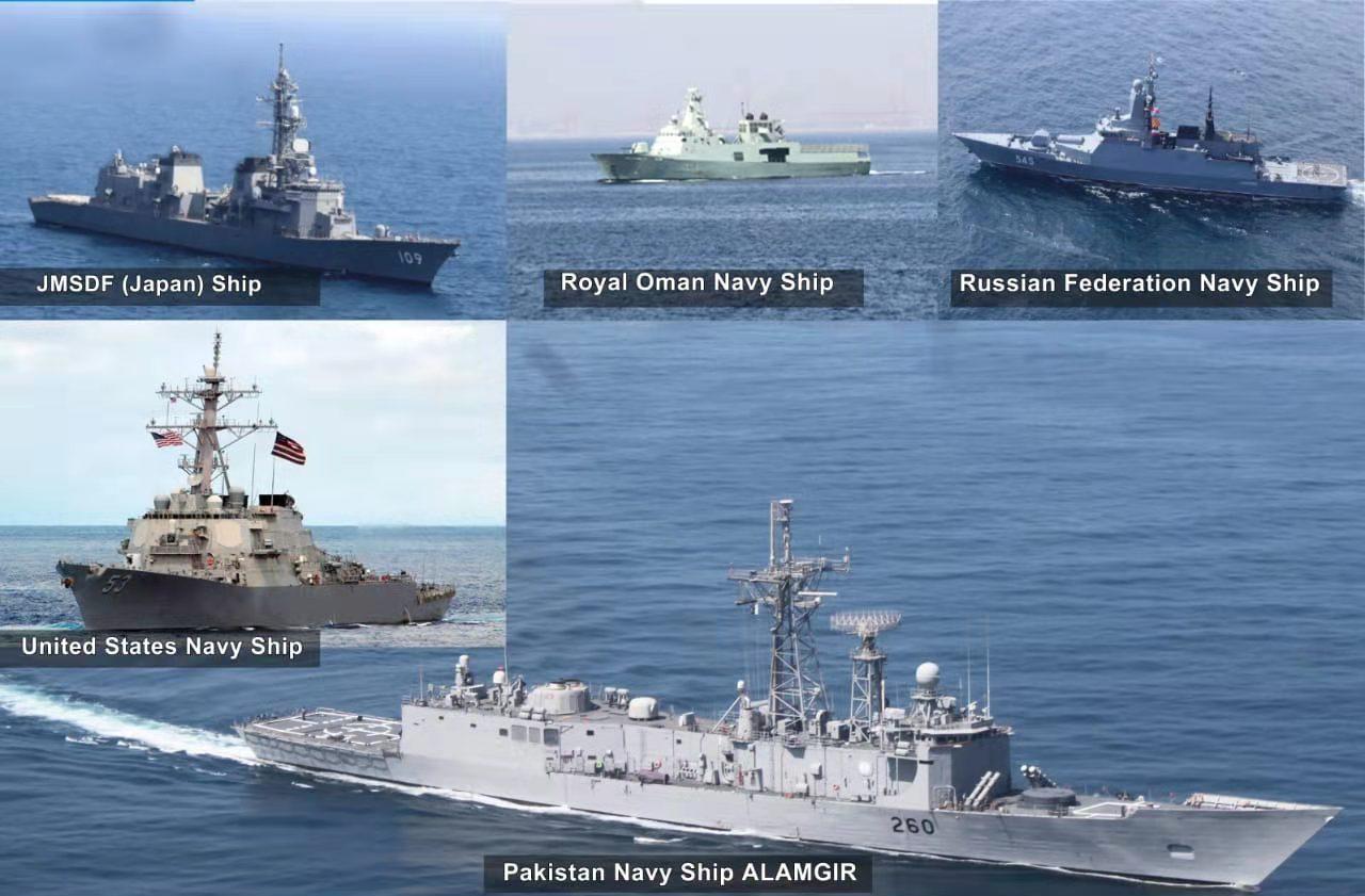多国海军舰船在北阿拉伯海演习