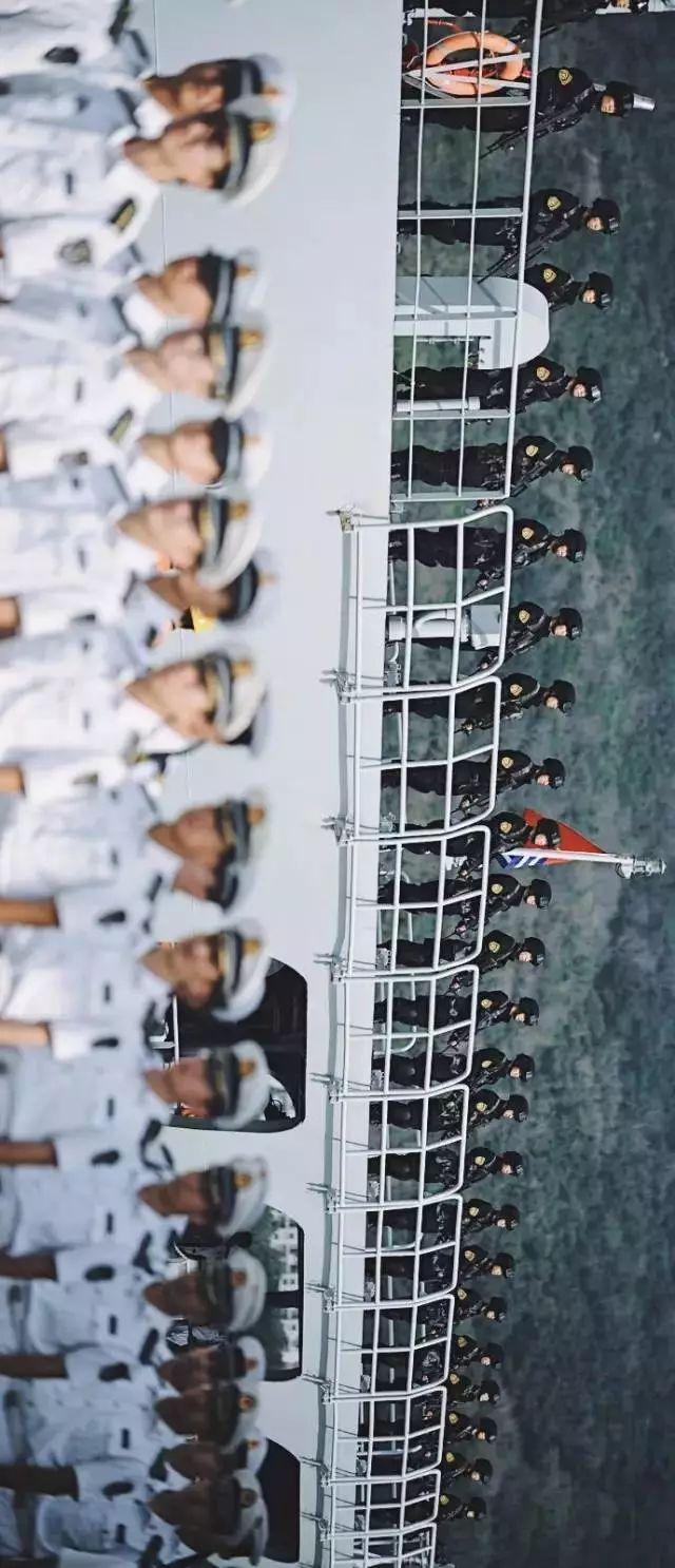 王伟牺牲20年后的南海舰队航空兵 轰6J整齐列队(图)