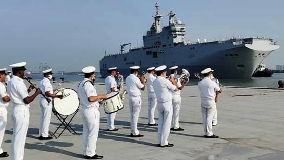 法国首次派舰与美日澳联演 印媒:还将两次穿航南海