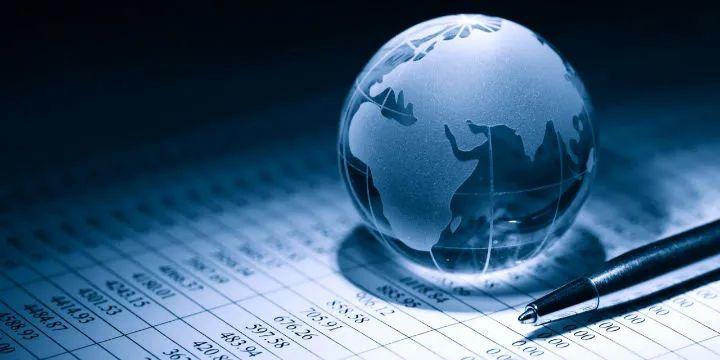 肖钢:全球经济呈四大分化趋势 中国经济恢复仍存不平衡现象