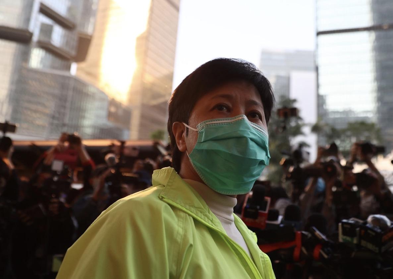 香港前立法会议员黄碧云再被警方控告拘捕