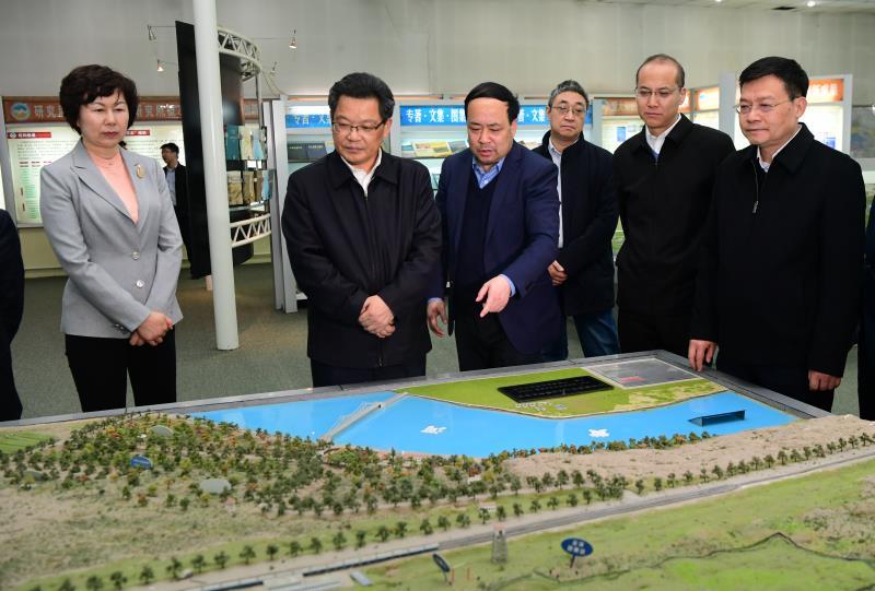 任振鹤在中国科学院兰州分院调研图片