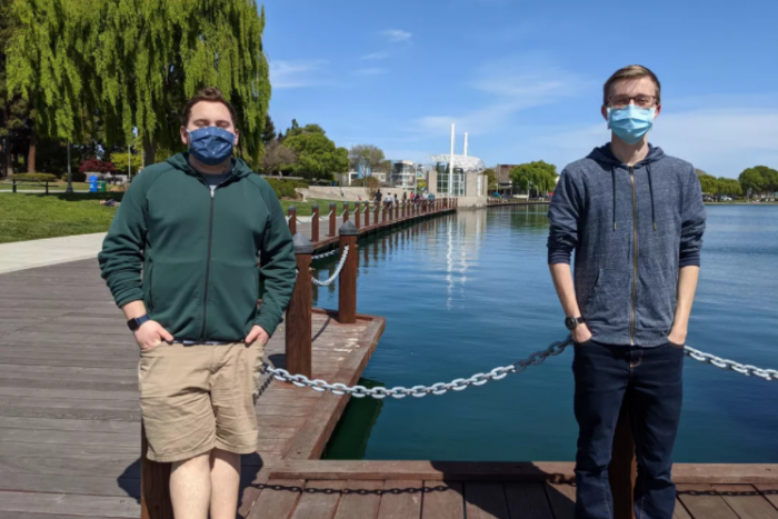 美国两位青少年打造Twitter机器人  帮助人们追踪COVID-19疫苗的可用性