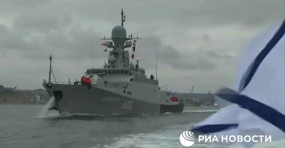 俄罗斯黑海舰队出海演练