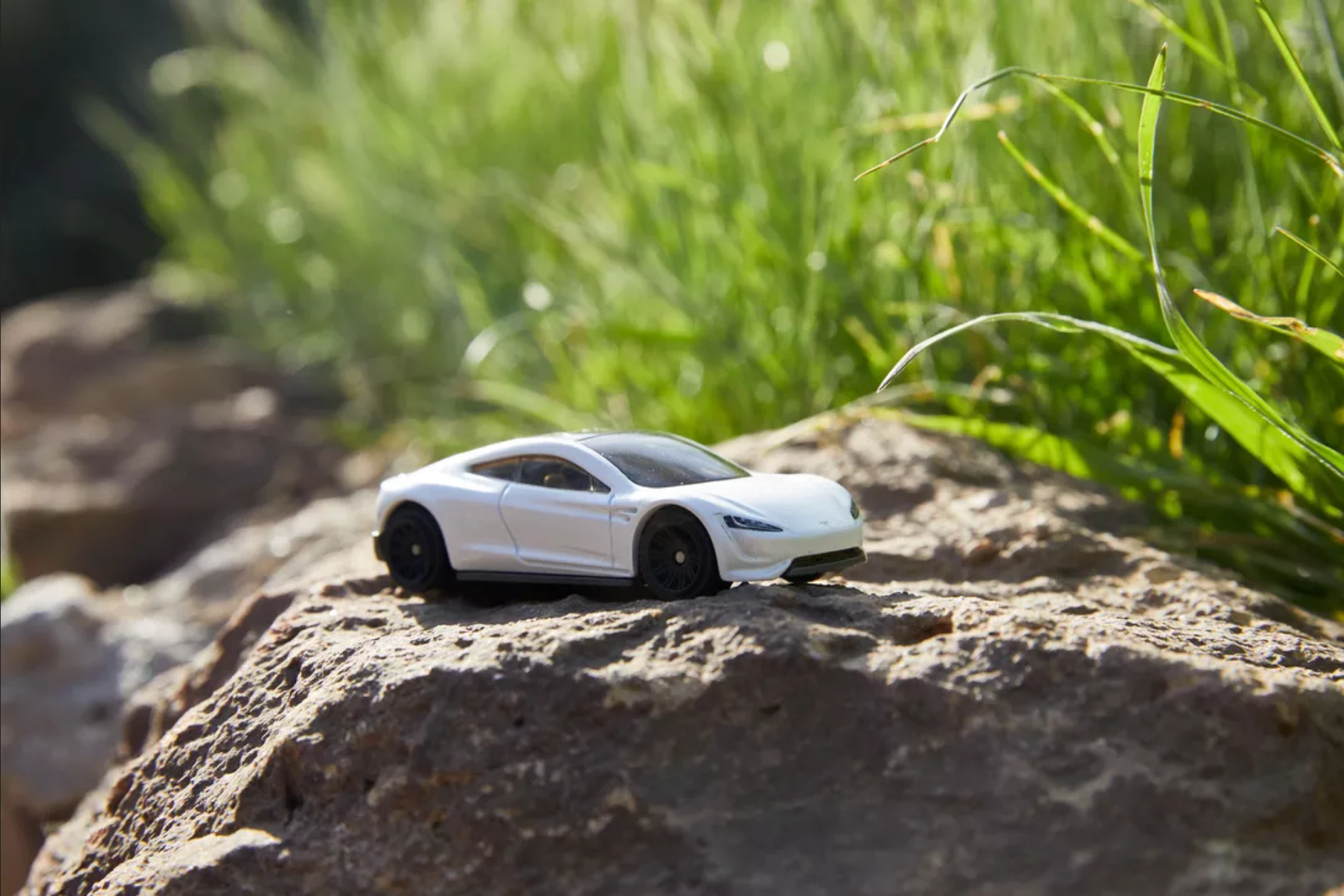 美泰新特斯拉Roadster玩具将采用99%可回收材料