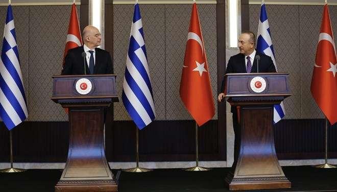 """土耳其与希腊外长在联合新闻发布会上""""唇枪舌剑"""""""