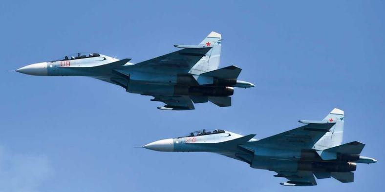 哈萨克斯坦苏-30战机训练飞行中坠毁