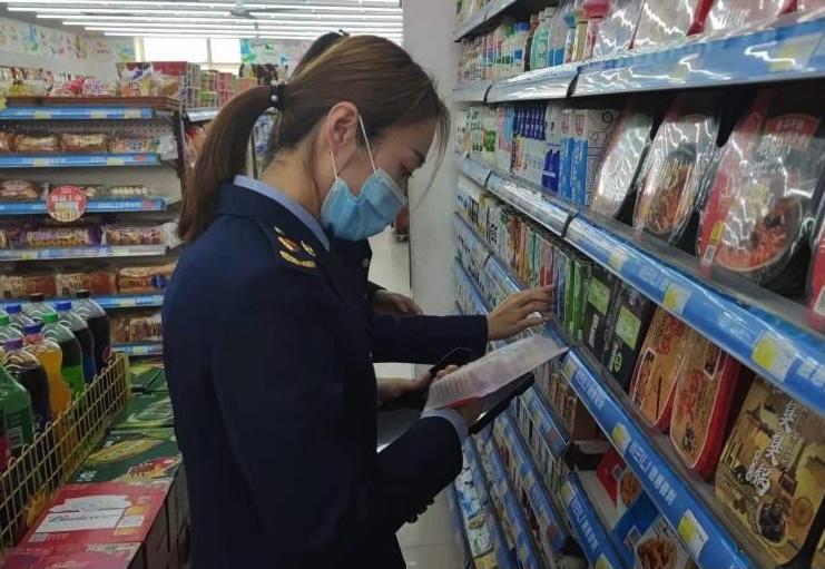 哈尔滨市开展校园周边食品安全整治