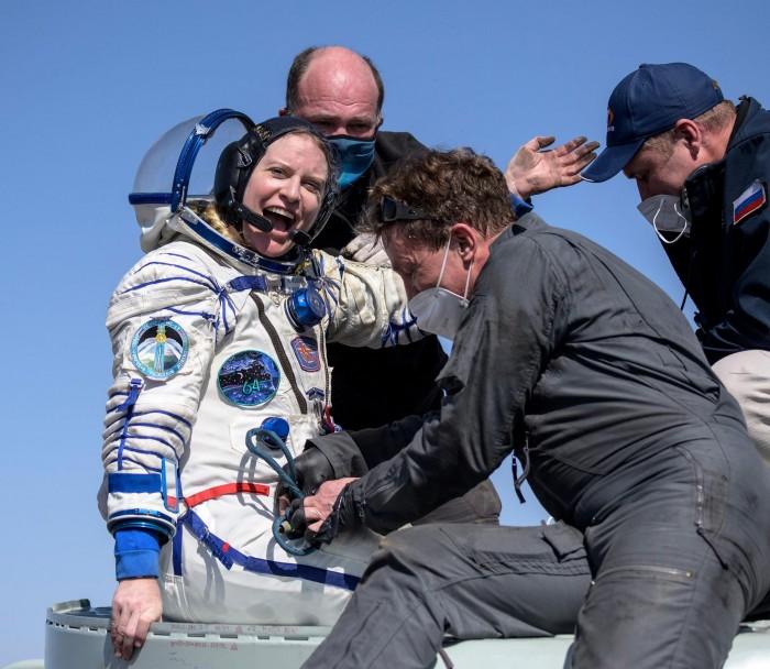 NASA宇航员Kate Rubins及其他宇航员安全返回地球