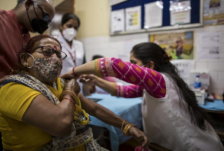 5月1日起 印度政府向18岁以上人群开放新冠疫苗接种