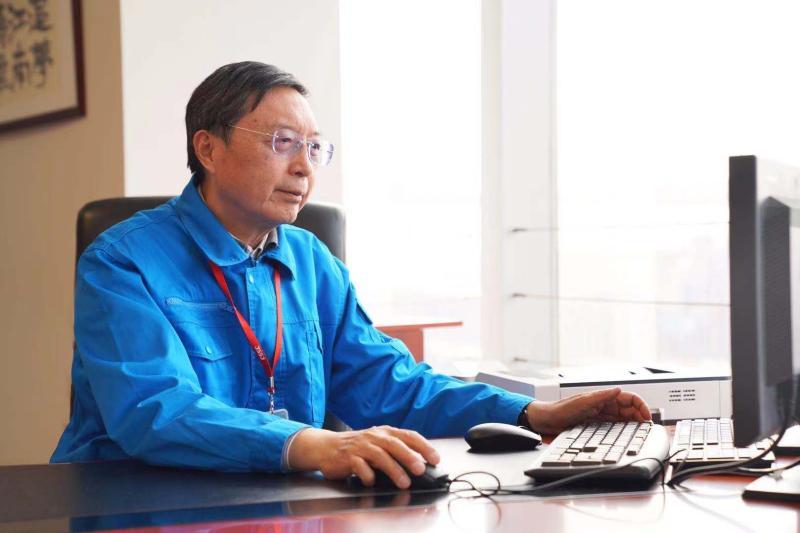 """为国铸""""舰"""",他用30年让中国驱逐舰追平与国外50年的差距"""