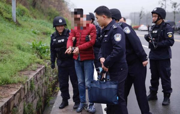 村民发现黑色塑料袋内有头颅骨!安徽霍山警方侦破一起跨市杀人碎尸抛尸案