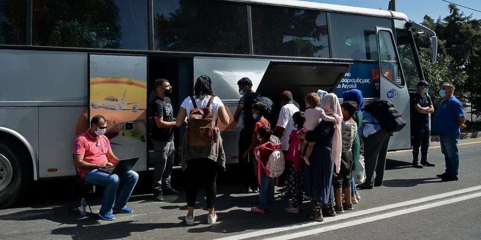 抵达希腊各岛屿的难民和移民人数比去年同期减少89%