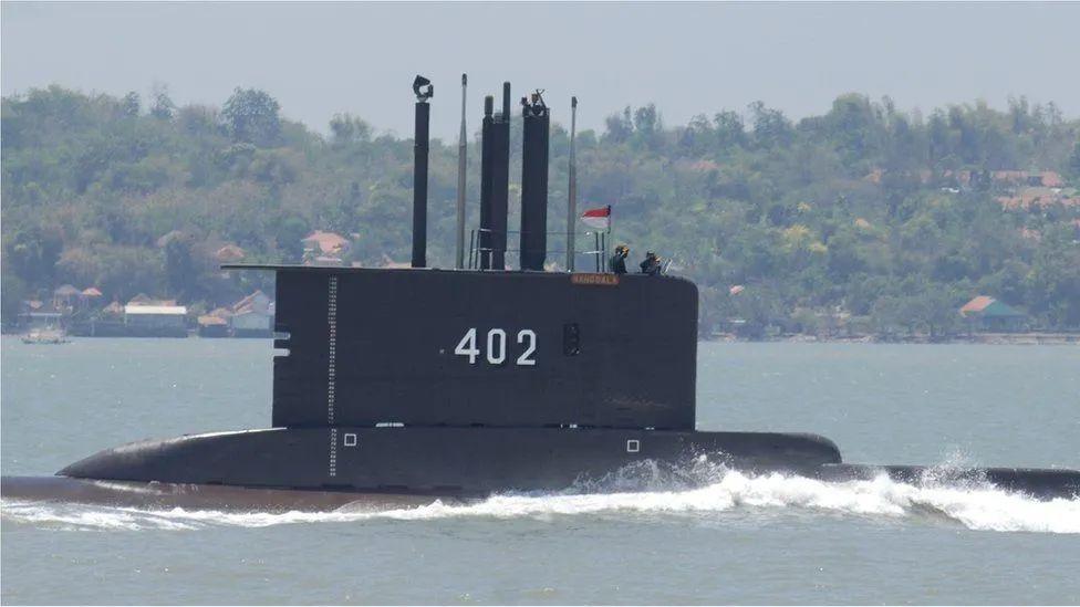 印尼潜艇失踪海域发现关键痕迹