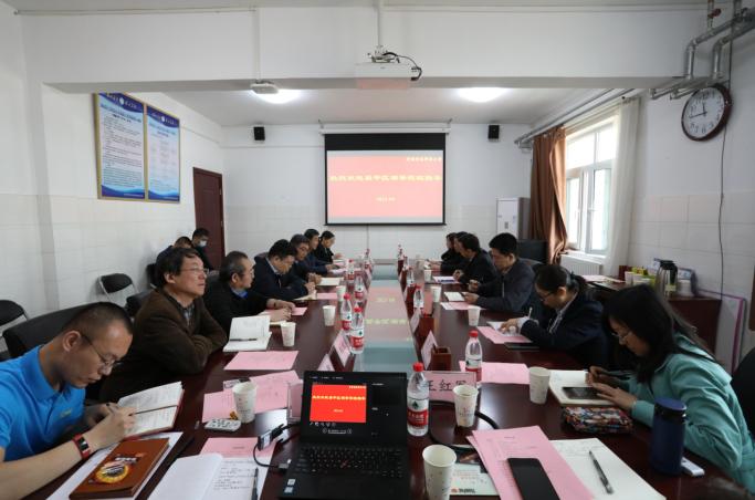 昌平区委常委、副区长杨仁全到我校新校区调研座谈